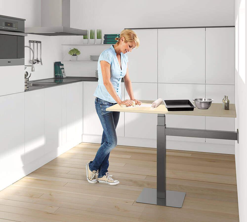 höhenverstellbare Arbeitsplatte / Küchentisch